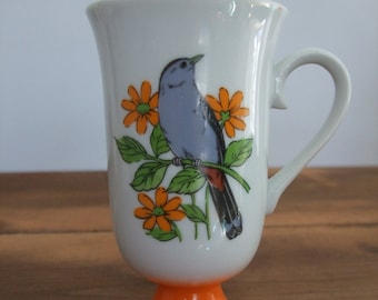 Vintage Gray Cat Bird Pedestal Mug from Fred Roberts Co.