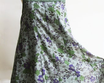 D25, Queen Elizabeth Garden Cute Floral Jade Green Cotton Dress