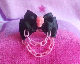 Pastel goth skull ring pink