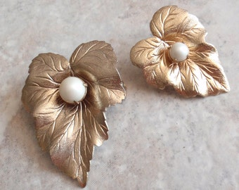 Gold Pearl Brooch Scatter Pins Chit Chat Sarah Coventry 1962 Vintage 081414SB