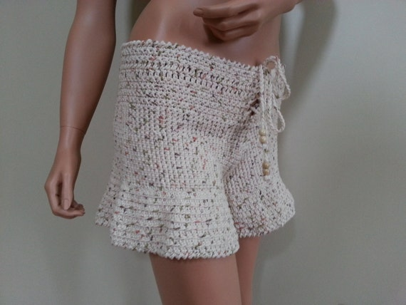 Lady's crochet shorts