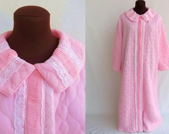 Vintage 60s Robe Quilted Pink Nylon with Lace And Pleated Trim Lingerie Large