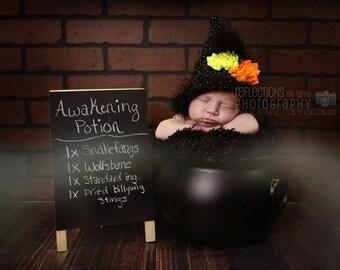 Newborn Halloween Hat, Newborn Witch Hat, Baby Witch Hat,  Newborn Baby Crochet PHOTO PROP