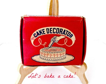 Vintage Cake Decorating Set