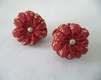 CLEARANCE 1950's Red Knit Flower Button Pearl Earrings