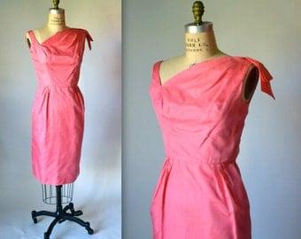 50s 60s Vintage Pink Shift Dress Size Medium in Silk Wiggle Dress// Pink Vintage Bridesmaid Dress Size Small Medium