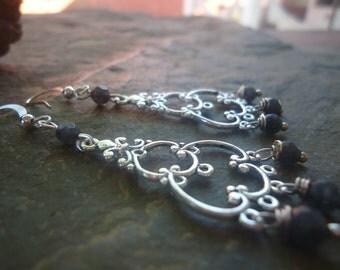 CHANDELIERS & QUARTZ Earrings with black stones (610)