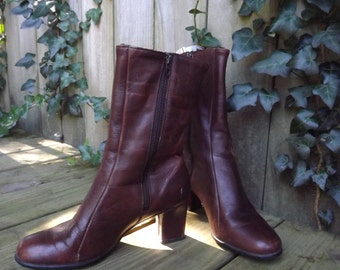 Short Ankle Boots, Brown Leather Boots, Vintage 1980s Womens Zip Up Boots, Sexy Short Boots, Brown Fur Lined Boots, Golo Size 6 Narrow US
