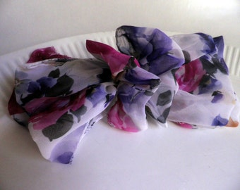 vintage 1980's HAIR BOW Barrette, large florals with white background