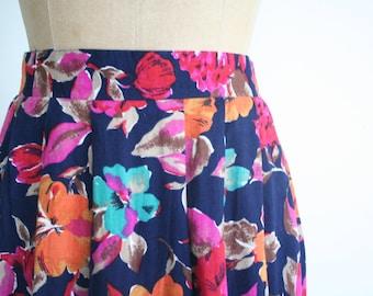 15 DOLLAR SALE! // floral print 90s midi skirt - soft flowy rayon skirt / Navy Blue - vintage 80s rayon skirt / high waisted floral skirt