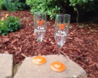 Custom Texas Longhorns Bride and Groom Champagne Flutes
