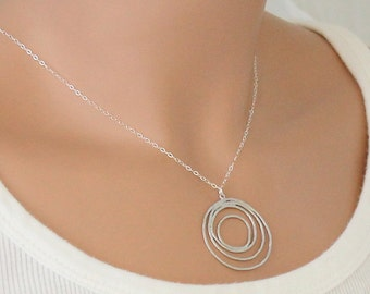Eternity Circles Necklace Silver Mulit Cirlces Pendant Infinity Necklace Minimal Modern Sterling Silver Chain