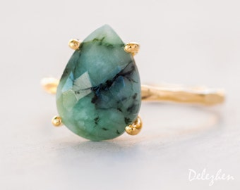Green Raw Emerald Ring Gold - May Birthstone Ring - Solitaire Stone Ring - Stacking Ring - Gold Ring - Tear Drop Ring - Prong Set Ring