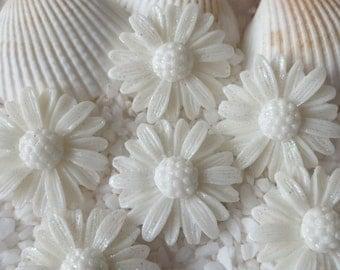 Resin Stunning Daisy Cabochon - 22 mm - 12 pcs - Glitter White