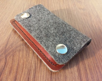 Card holder Credit card holder wallet felt wallet purse card wallet - Grey felt and dark brown leather