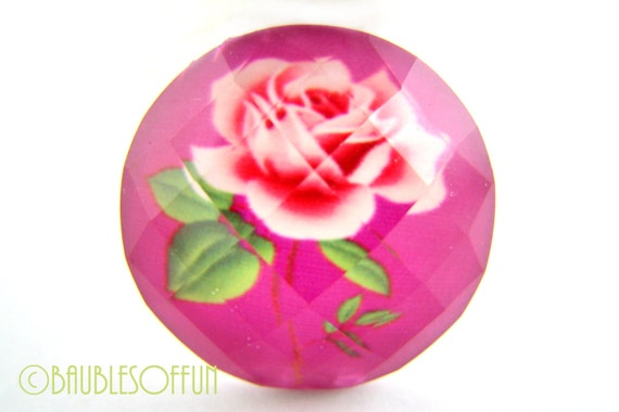 Resin Cabochons : 4 Faceted Fuschia & Rose Floral Resin Cabochons / Vintage Style Rose Cabochons