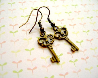 Antiqued Bronze Key Earrings, Vintage Key Earrings, Key Earrings, Antiqued Brass Keys