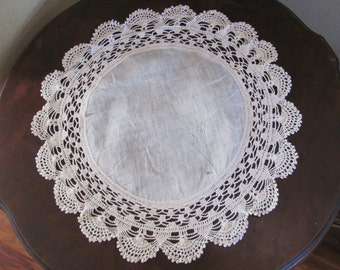 Lovely Antique Round Ivory Crocheted Linen Doily 17""