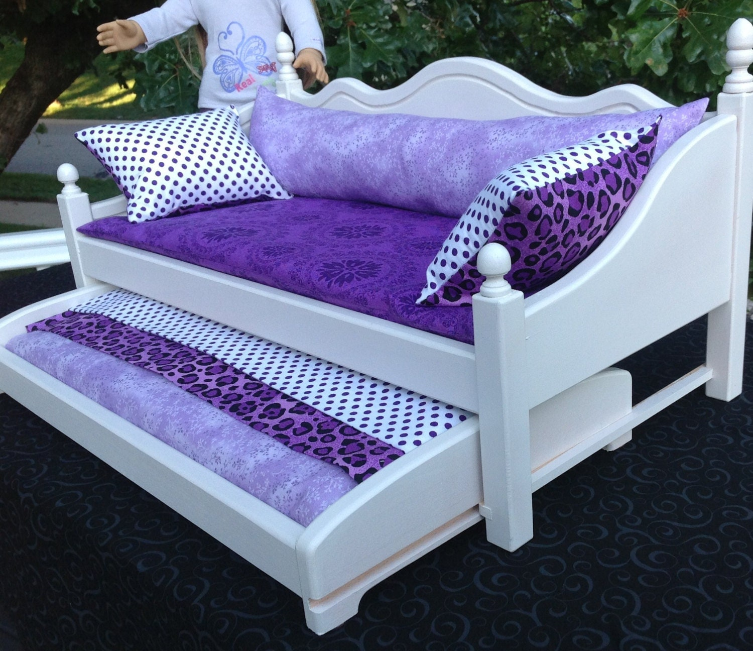 Reserved Layaway For Zelda. Daybed With Trundle Bed For The