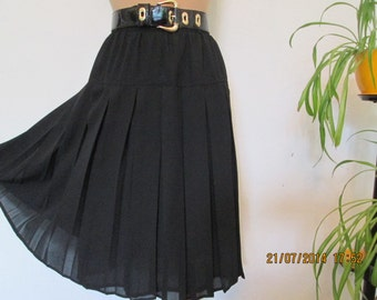 Pleated Skirts /  Pleated Skirt / Skirt Vintage / Black Skirt / Black Pleated Skirt / Size EUR42 / UK14