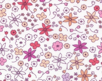 Half Yard Hello Petal Dinky in Cuddle White, Aneela Hoey, Moda Fabrics, 100% Cotton Fabric, 18564 11