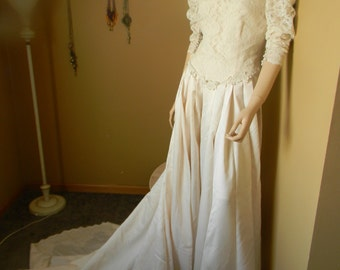 1950S Baroque IVORY SILK Wedding Gown. Pearl Mushroom Button back & wrist closure.Long Train Hooks unto Back for a Beautiful poof Bustle ~