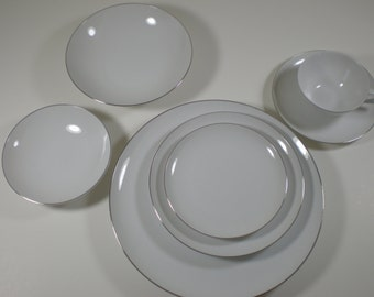 Sango Silver Snow // 7 Piece Place Setting  // Early 60s