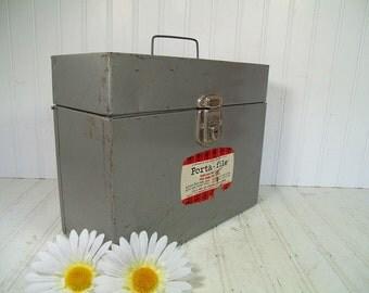 Porta File Box with Original Key Industrial Hammered Grey Baked Enamel Metal - Vintage Hamilton Skotch Corporation in Retro Security Silver