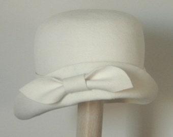 Downton Abbey winter cloche hat / Miss Fisher Ivory wool fur hat / off white women's winter hat Israel