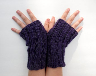 Arm sox - deep purple  - wrist warmers, texting gloves, fingerless mittens.  Back to School!