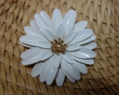 TRIFARI White Daisy Flower Pin Brooch