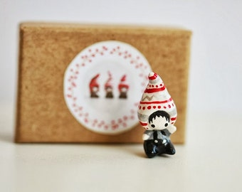 FREE SHIPPING - miniature clay elf - The Tiny Hat Babies series