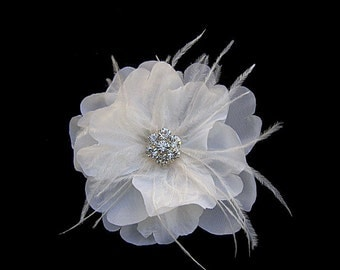 Bella - Ivory Flower Fascinator Hair Clip With Rhinestones Ostrich Feathers