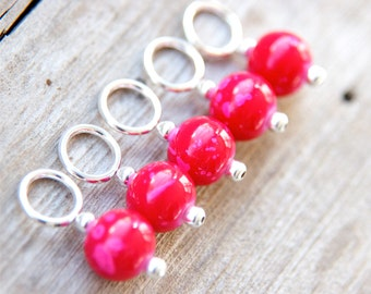 Stitch Markers // Knitting Markers // Snag Free // Hot Pink Speckled Glass // Set of 5