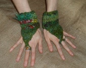 Custom FELTED PIXIE CUFFS Toadstools Wristwarmers Green Felt Elf Gloves Fae Faery Fingerless Mittens Crochet Wool Forest Woodland Cuff Leaf
