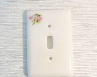 Fused Glass Light Switch Plate Hummingbirds Iridescent White Home Decor Glass Art Kitchen Bathroom Bedroom Gifts for Grandma Light Cover