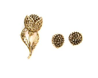 Mid Century Gold Toned Flower Brooch Pin and Clip On Earrings Set Modernist