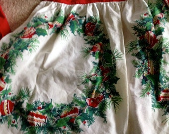 Weath with ornaments print Apron christmas half style red one that is vintage