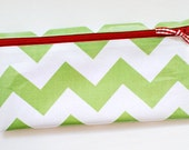 Christmas budget cash envelope system wallet with 6 tabbed dividers // green and white chevron with red zipper