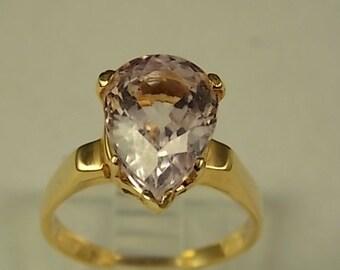 Kunzite Ring 4 Carat Pear Shaped Gemstone Yellow Gold 14K 4.1gm Size 6.75 Engagement Ring