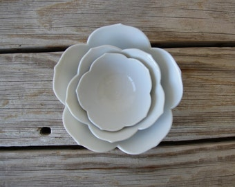 Lotus Nesting Bowls (Set of 3)