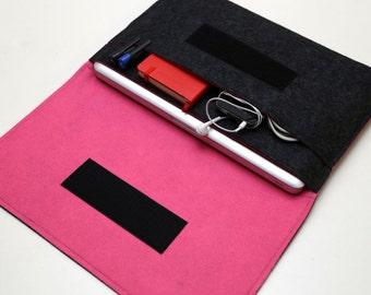 "13"" inch Apple Macbook Pro laptop Organizer Case Cover - Dark Gray & Hot Pink  - Weird.Old.Snail"