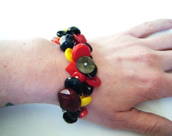 Vintage button bracelet, chunky button bracelet recycled repurposed upcycled