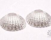 P555-02-MR// Matt Rhodium Plated Atlantic Cockle Seashell Pendant, 2 pcs