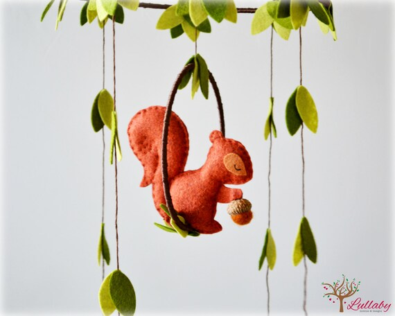 Squirrel mobile - woodland - Nursery baby mobile - You pick your colors - Felt green, auburn brown and cinnamon squirrel - Nursery decor