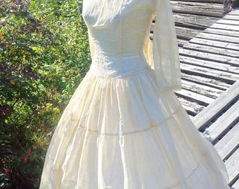 Vintage wedding dress from the 50s cream or off white color