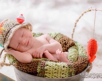 Crochet Pattern Baby Fishing Hat : Crochet fish hat pattern Etsy UK