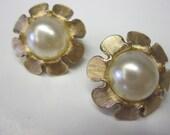Trifari Vintage Clip On Faux Pearl Earrings in Daisy Flower Modern Retro