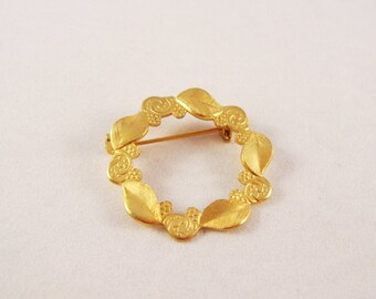 Vintage Gold Circle Pin with Leaves