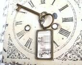 Key Ring Vintage Sheet Music Pendant Key Ring Glass Rectangular Pendant in Antique Brass Pendant Tray Black and Cream Key Chain Unisex Gift